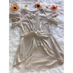 SIZE S, FRONT KNOT BLOUSE